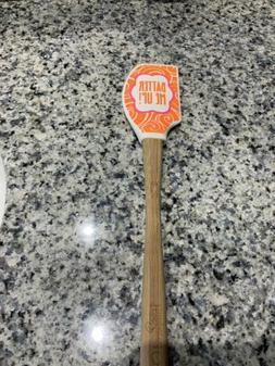 "Pampered Chef Batter Me Up Spatula Scraper 12"" long Disc. Me"