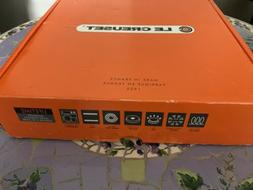 """NEW In Box LE CREUSET 9.5"""" Square Cast Iron Griddle Pan  - C"""